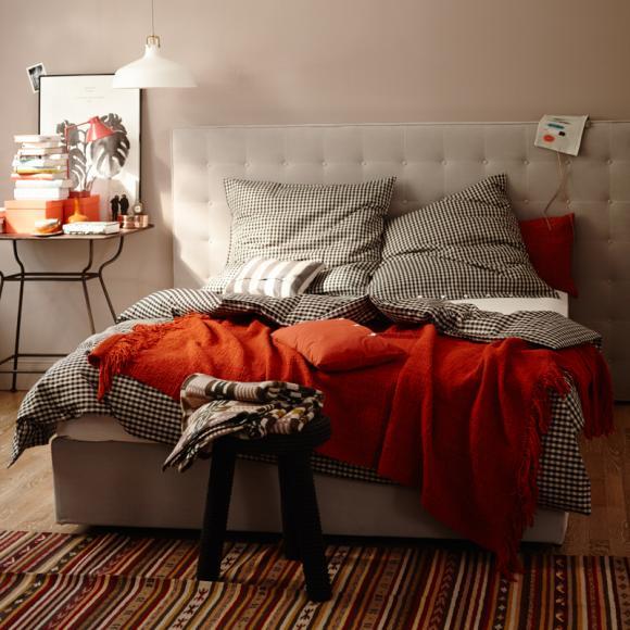 Designer Bett Schlafzimmer Bettwäsche Kopfteil Schwarz Weiß Rot Gestaltung modern-Einrichtungsideen