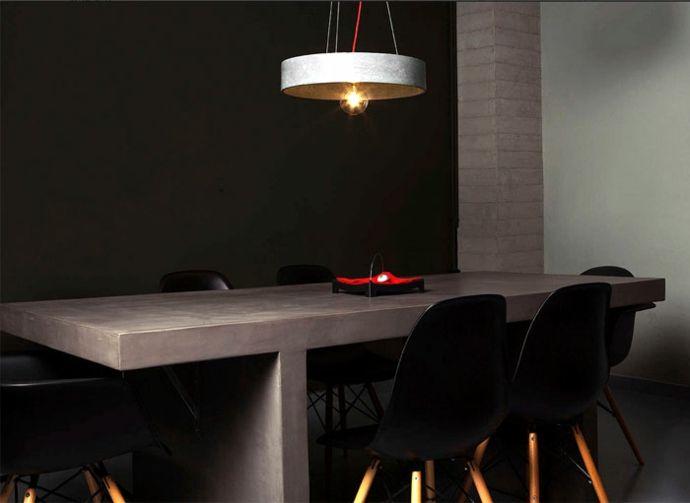 Esszimmer Essbereich Arbeitstisch Stühle Tisch Hängeleuchte Beleuchtung modern Schwarz Weiß Rot-Dekoration aus Beton