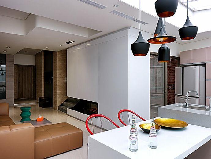 Esszimmer Küche Esstisch Stühle Hängeleuchte Ledersofa modern Weiß Rot Kamin Einbaustrahler-Luxus Designer Möbel