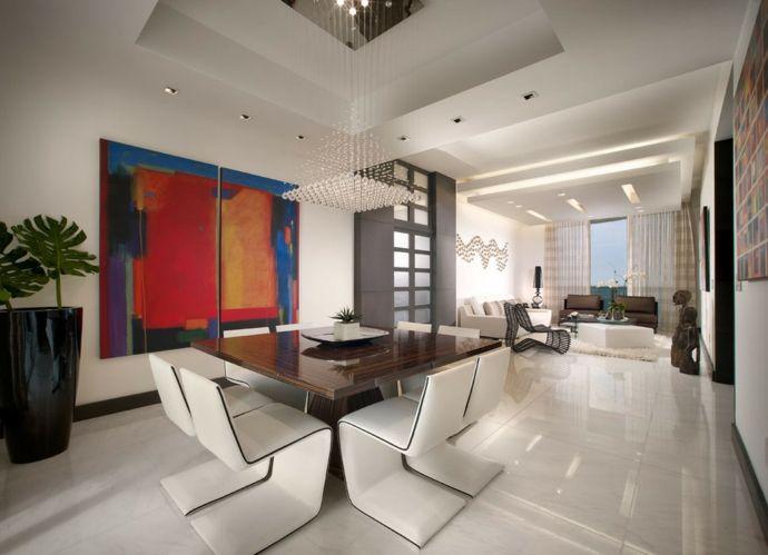 Extravagant modern Essbereich Esstisch Bilder Kunst Pflanzgefäße Lederstühle Fliesen Weiß-Kristall Kronleuchter Ideen