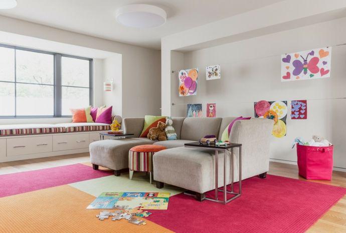 Geräumiges Kinderzimmer in Rosa und Lila Fenstersitzbank-Kinderzimmer ideen