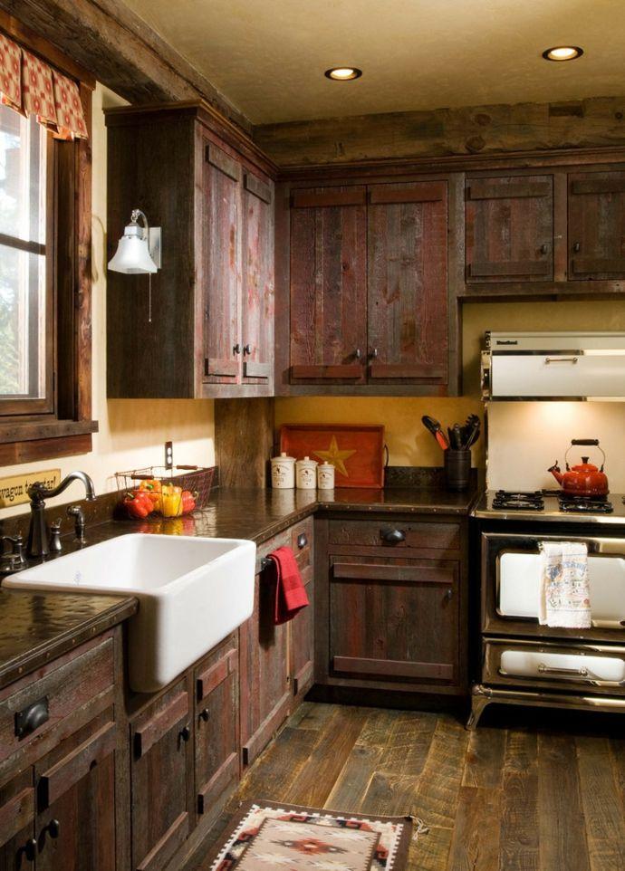 Großküchenplanung Küchenschränke altmodisch Holzboden Marmor Waschbecken-Rustikal Design Einrichtung Küche