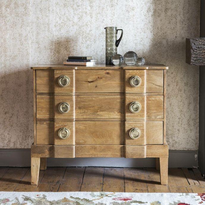 Holzkommode im französischen Stil-Kommoden