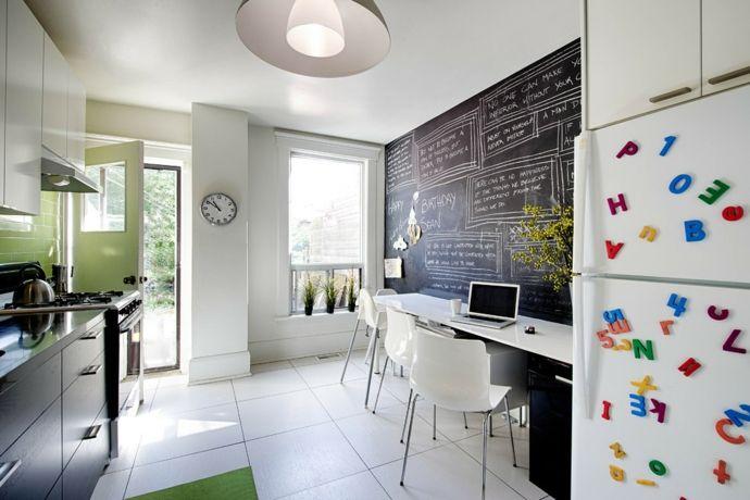Küche Essbereich Hochglanz modern Fliesen Weiß-Tafelwand