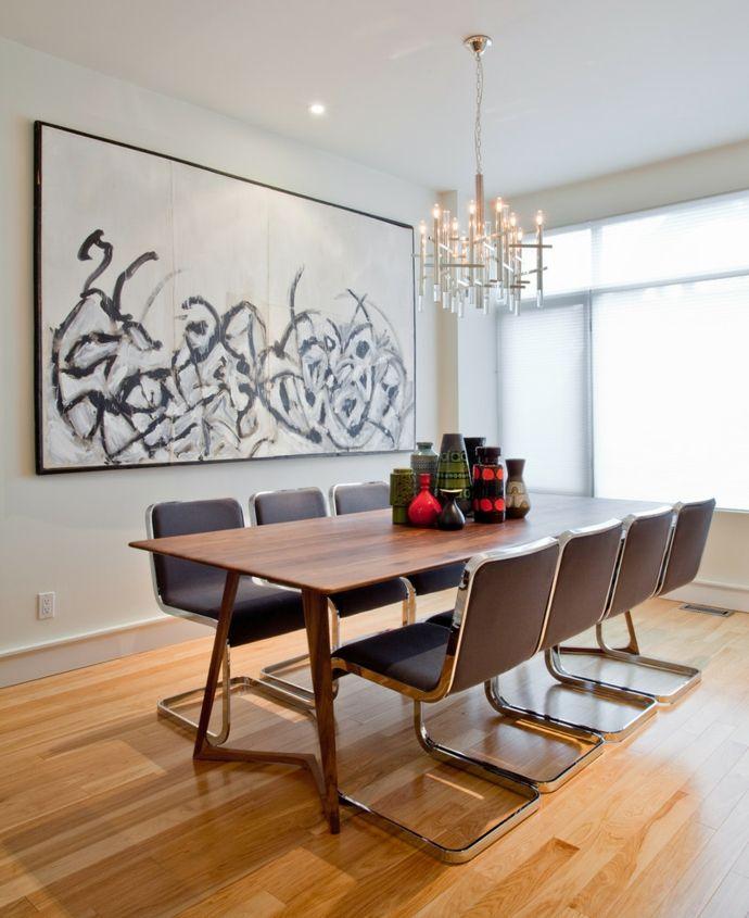 Moderner Holztisch auf Hartholzboden-Esstische