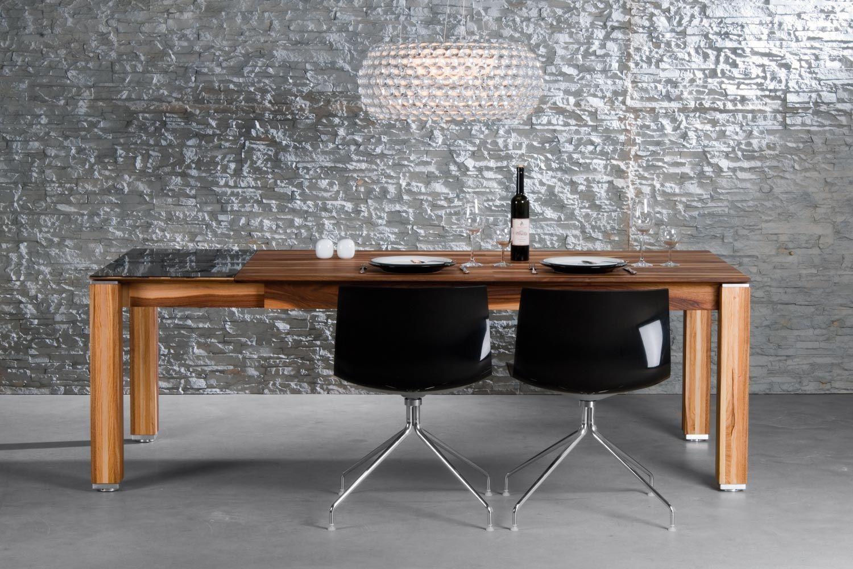 Nussbaum modern Designer-Holztisch