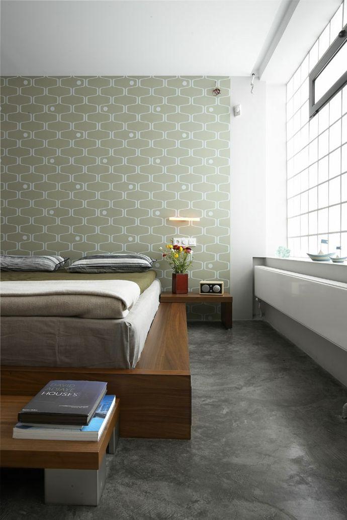 Schlafzimmer Fototapeten Bettgestell aus Massivholz modern-Transformation der Garage