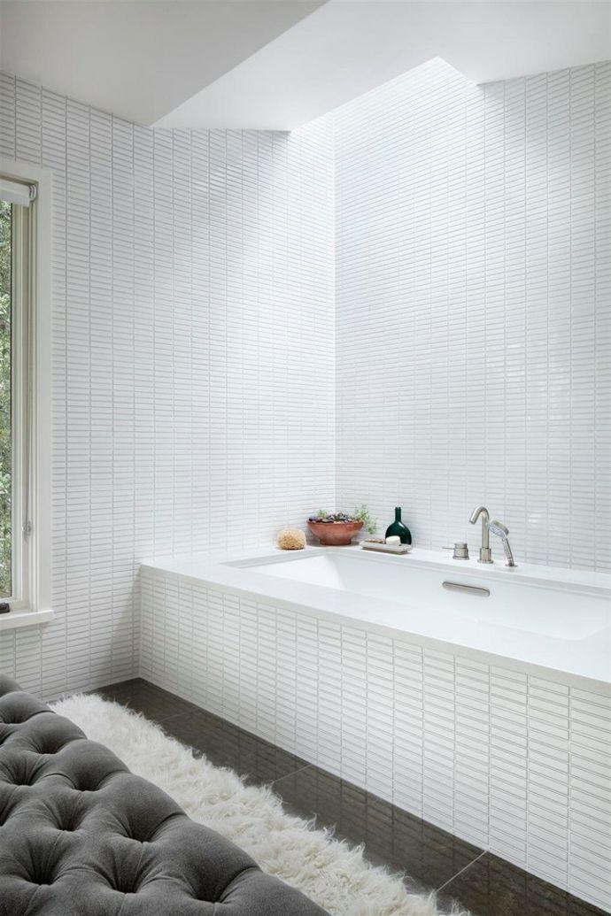 Sofa Teppich Badewanne Weiß Fliesen-Badezimmermöbel
