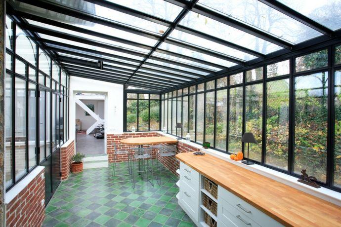Verglaste Veranda mit Esstheke-Gestaltung der Veranda