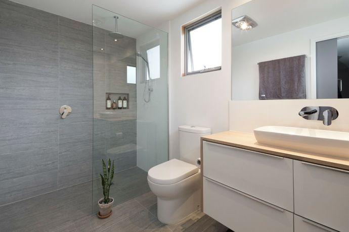 Waschtisch Waschbecken Spiegel Dusche Glaswand Toilette Weiß-Badezimmermöbel Design