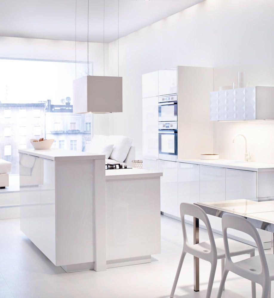 Wohnideen Küche Weiß Küchensystem Dunstabzugshaube Fensterbank Hochglanz modern-Küchen Ideen