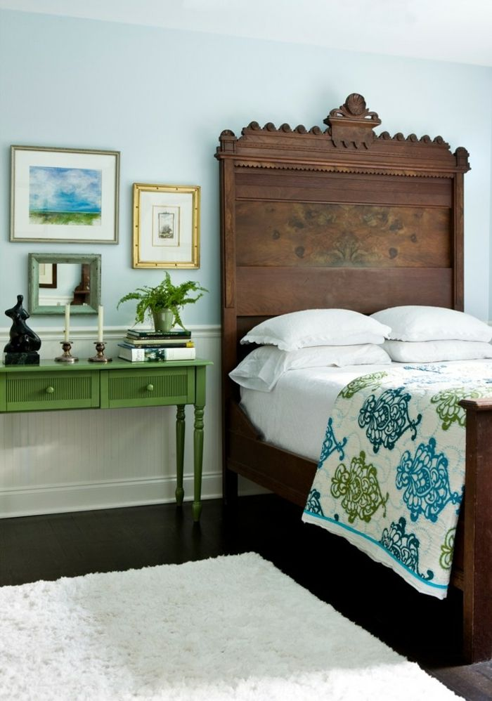 Antikes Bett-Eklektisches Design Schlafzimmer