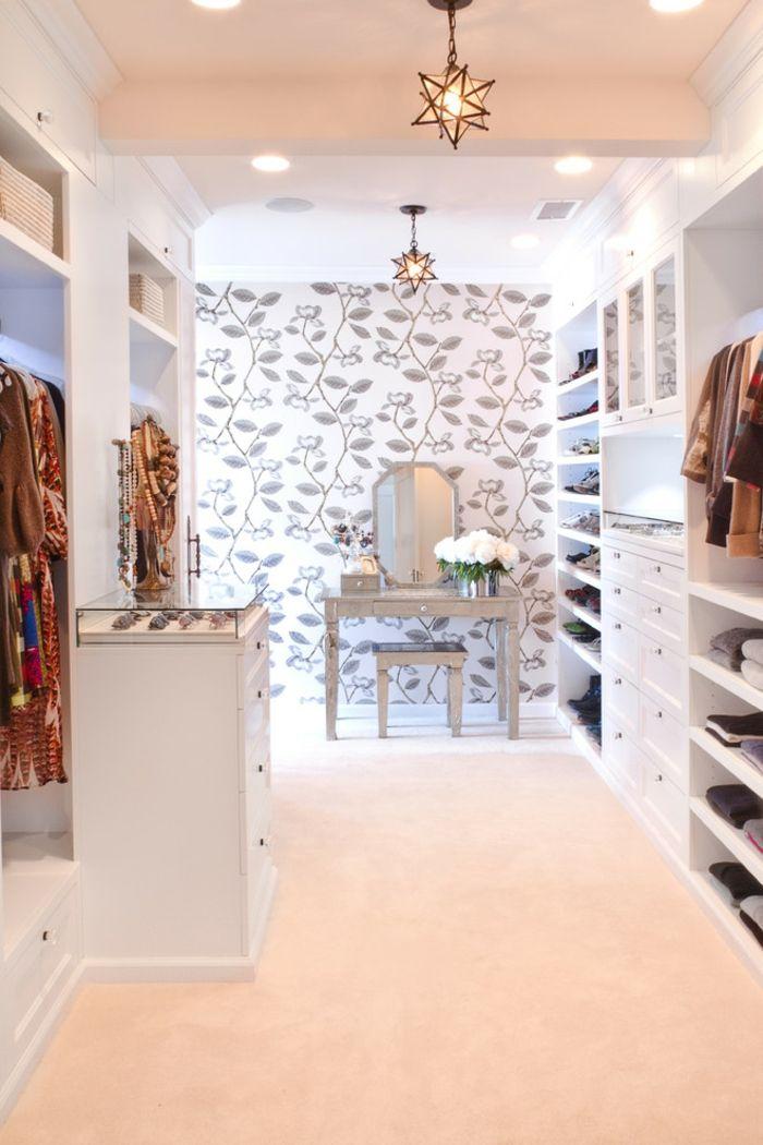 Aufbewahrung von Mode-Accessoires und Schminktisch-Offener begehbarer Kleiderschrank in Weiß System Luxus Ankleide