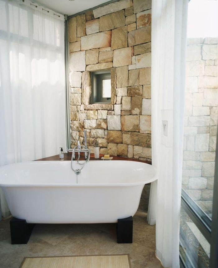 Badewanne in Schwarz und Weiß-freistehende Badewanne