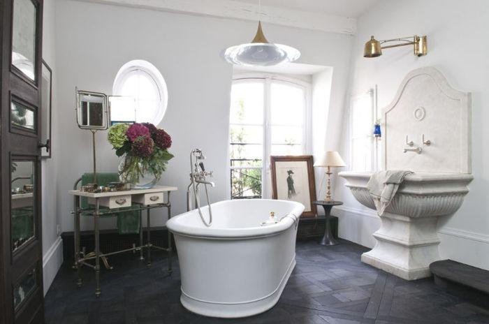Die freistehende Badewanne – lassen Sie sich verwöhnen ...