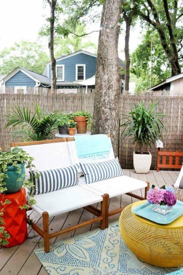 Balkongestaltung mit Gartenmöbeln aus Bambus-Bambus Dekoration
