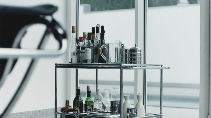 diy ideen f r ihr zuhause der barwagen ist zur ck. Black Bedroom Furniture Sets. Home Design Ideas