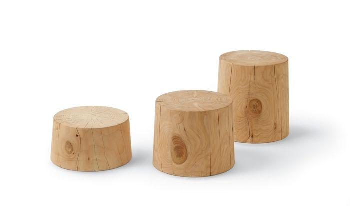 Baumstamm als Tisch oder Hocker-Hocker aus Zedernholz Sitzmöbel Designerstück Haptik einfache und klare Form naturbelassen Deko