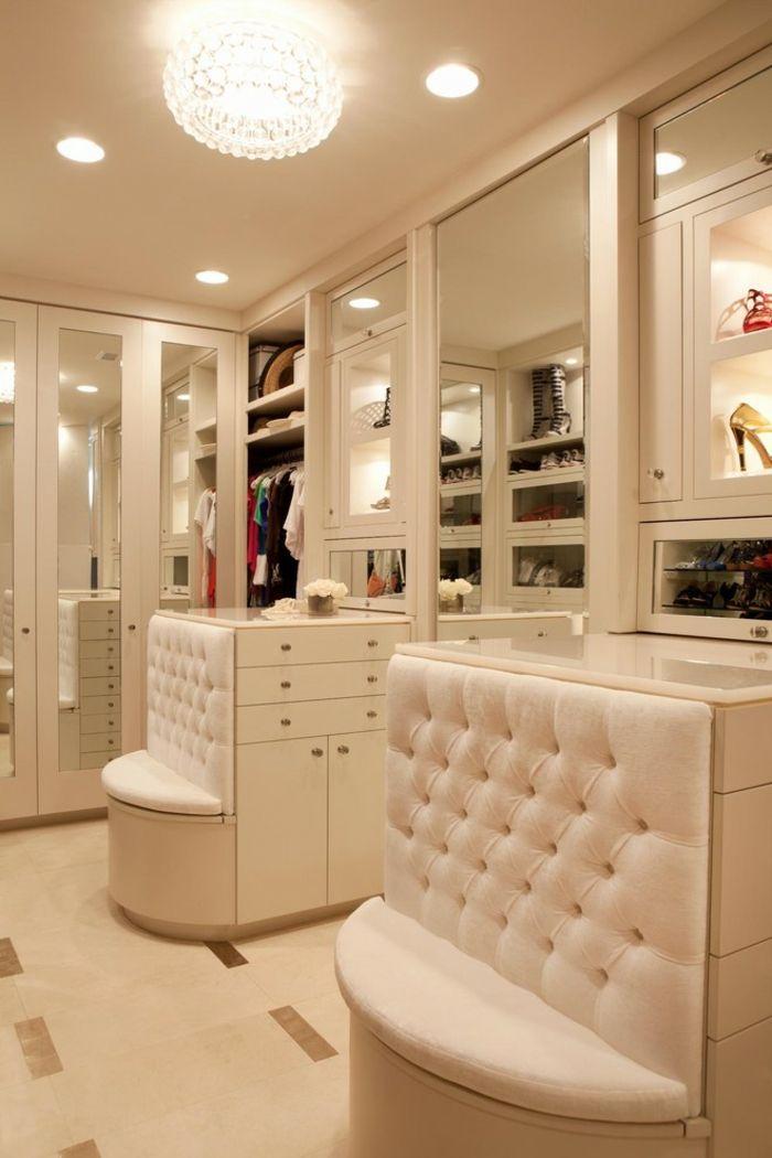 Begehbarer Kleiderschrank in Weiß mit Ganzkörperspiegeln und Sitzgelegenheiten-Offener begehbarer Kleiderschrank System Luxus Ankleide