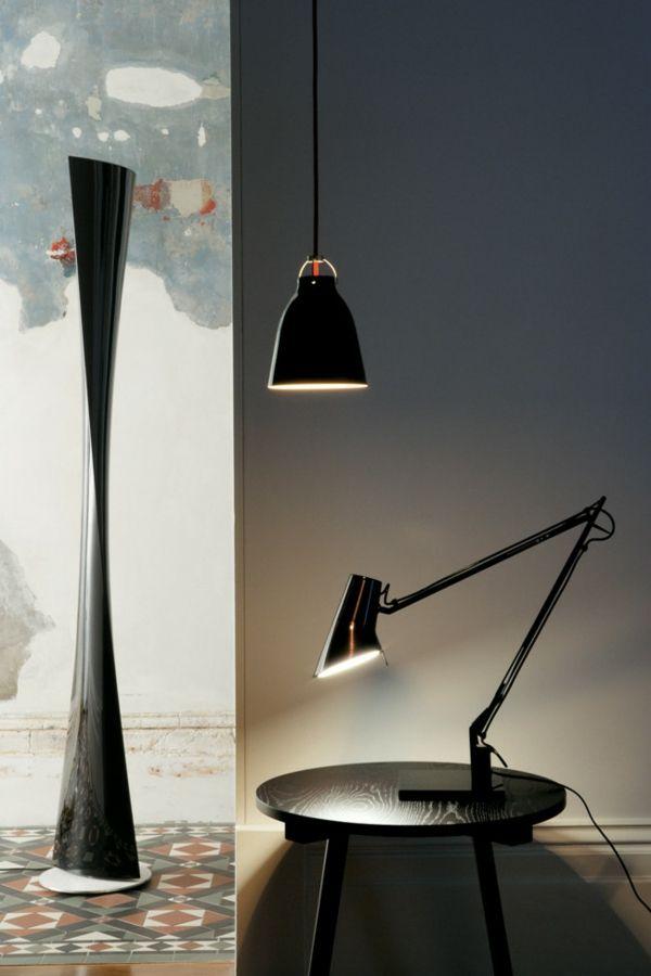 Beleuchtung im zeitgenössischen urbanen Wohndesign-Einrichtung mit industriellen Möbeln