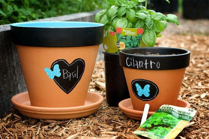 Blumentöpfe mit Tafelfarbe bemalen-Beim Umtopfen wird die erneute Benutzung erleichtert-Pflanzentopf Kräuter Garten Keramik Tafelfarbe