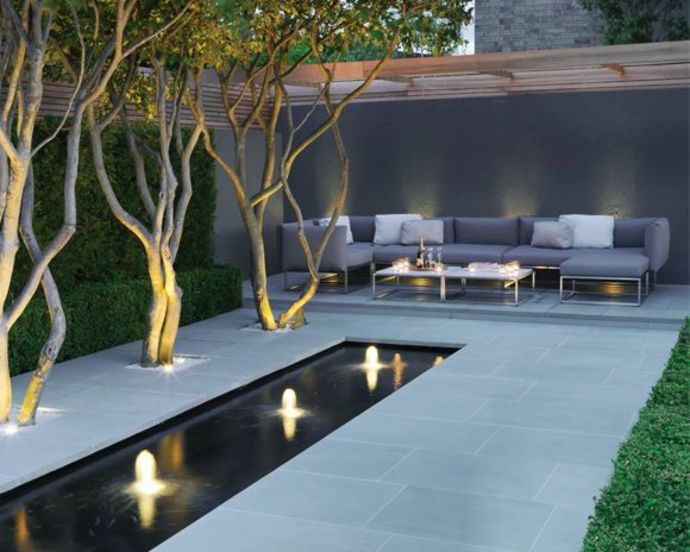 Elegant Brunnen Im Garten Landschaft Im Minimalistischen Stil