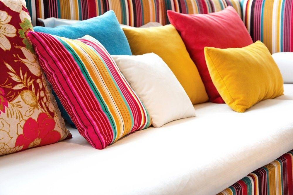 Bunte Gestaltung Mit Deko Kissen Dekoration Einrichtung Wohnzimmer Deko  Kissen Sofa Blumenmuster