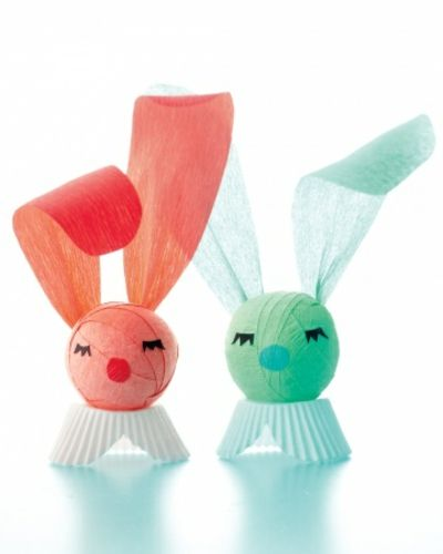 Bunte Hasen aus Krepppapier-Tisch Dekoration Ostern