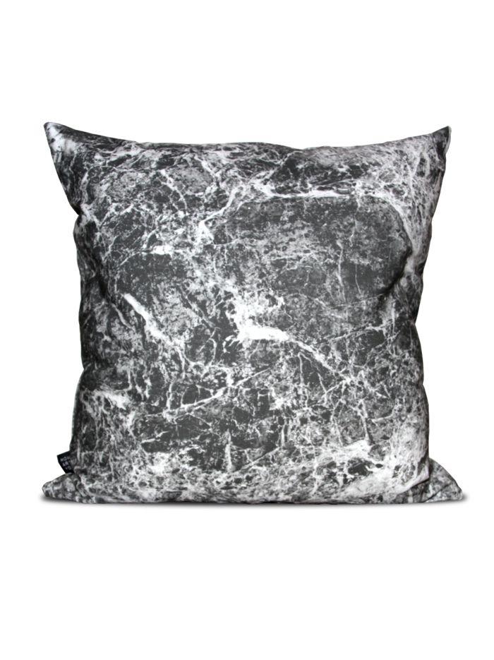 deko kissen mit starker ausdruckskraft. Black Bedroom Furniture Sets. Home Design Ideas