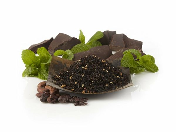 Der Schwarztee ist heilsam, da er beim Stressabbau hilft und das Herzinfarktrisiko reduziert-Schwarzer Tee Kräutertee Teesorten Antioxidationsmittel