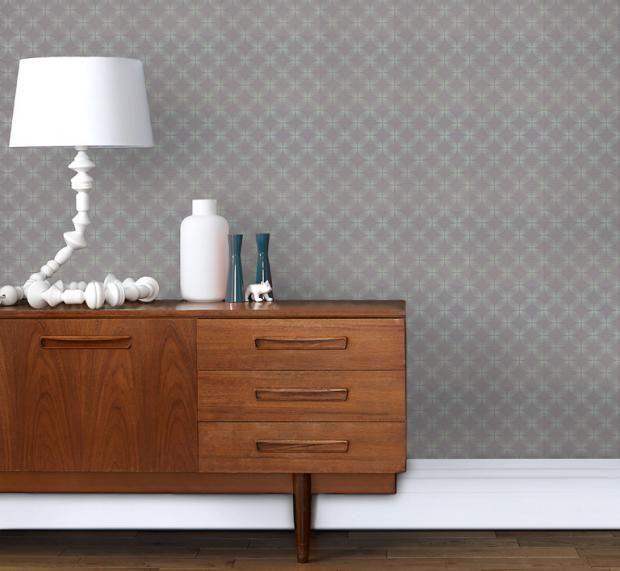 Dezente Mustertapete im Flur-Wandtapete Wandgestaltung klassisch schlicht Grau Motiv Mustertapete