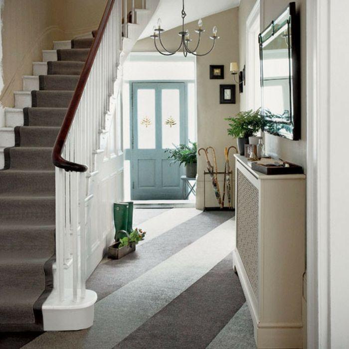 Diele mit Holztreppe traditionell Gestaltungsideen-Dielenmöbel
