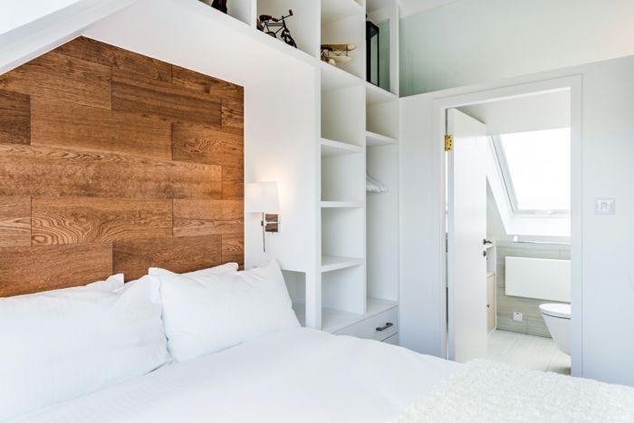 Doppelzimmer in strahlend Weiß-Altbau Renovierung Ziegelbau Zementfliesen ländlich rustikal