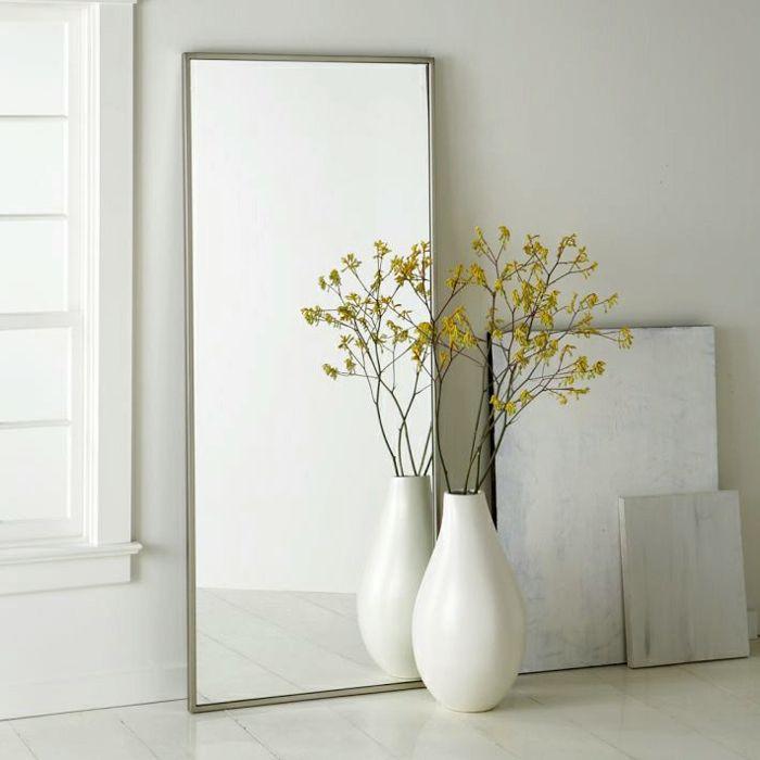 Einrichtung in Weiß-Dekorative Bodenvasen im zeitgenössischem Design