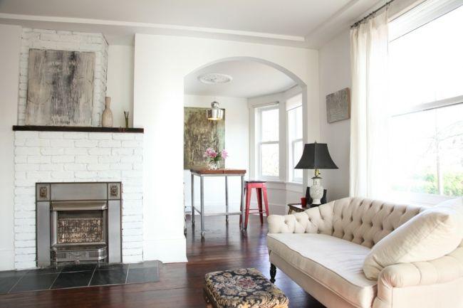 Eklektisches Wohnzimmer in Weiß mit Gas Feuerstelle-Eklektische Wohnung Vintage rustikal