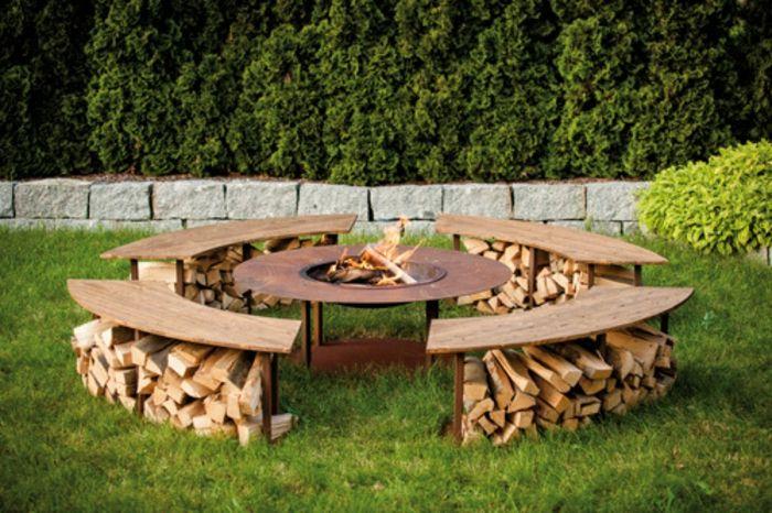 Feuerstelle mit Grillrost und Sitzbänken-Dekoration für den garten