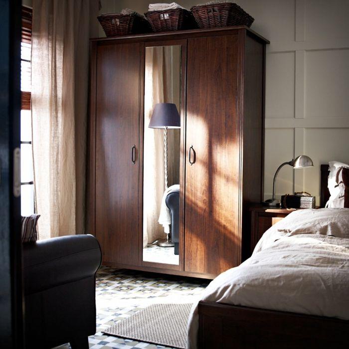 Garderobe aus Massivholz im skandinavischen Stil-Hochwertige Kleiderschränke für das Schlafzimmer