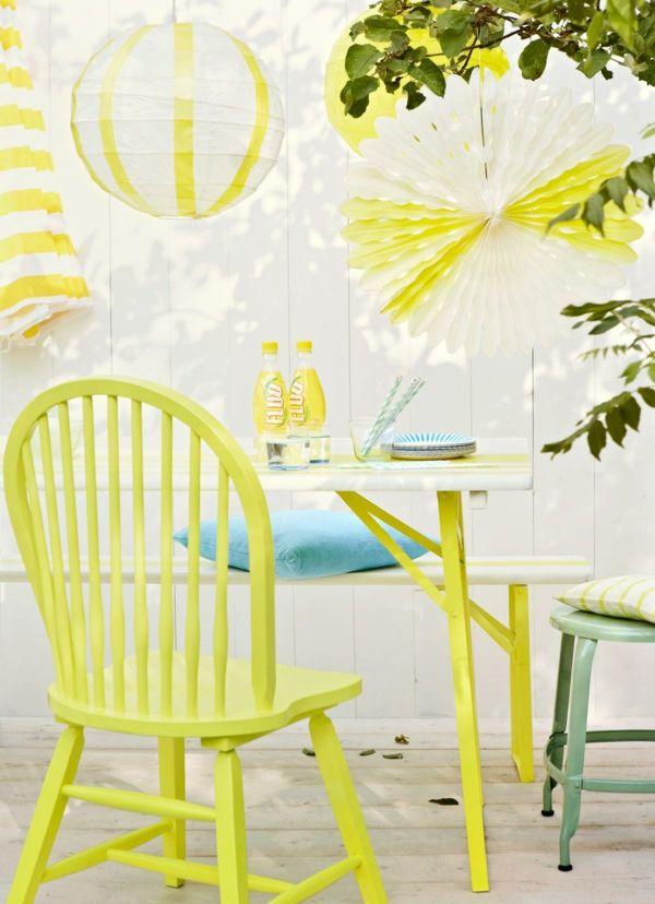 Gartenmöbel mit Farben verschönern-Wohnaccessoires Ideen