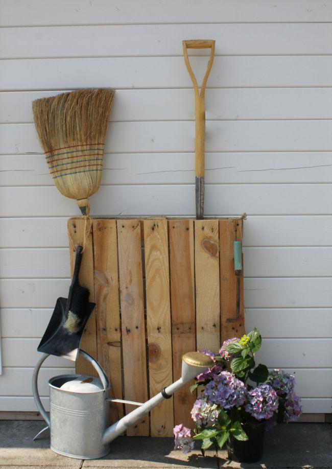 Gartenwerkzeuge als einer abwechslungsreichen Ergänzung des Exterieurs Gartendeko - Ideen