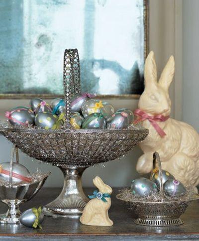 Getupfte Eier in Silber-Tisch Dekoration Ostern