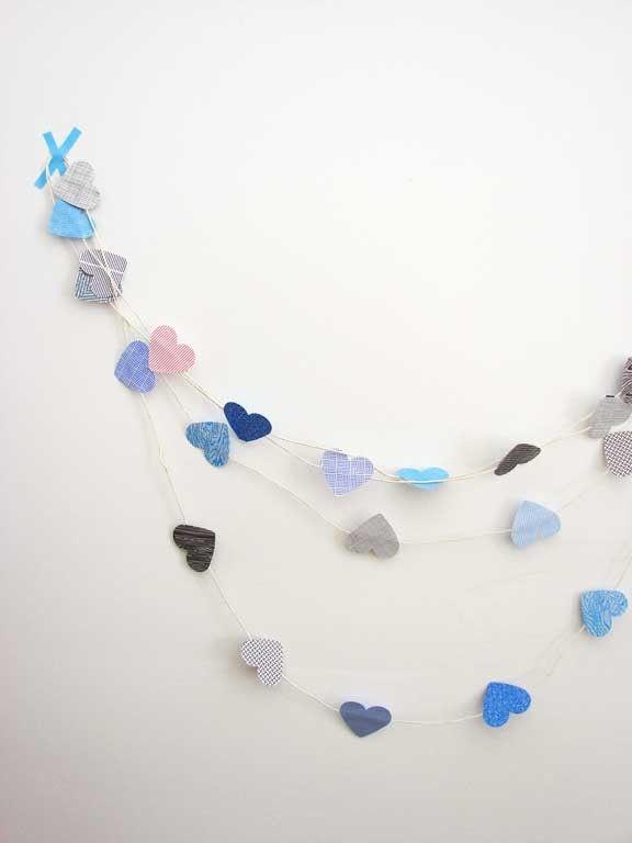 Girlande aus kleinen Herzen-Valentinstag Interieur Dekor