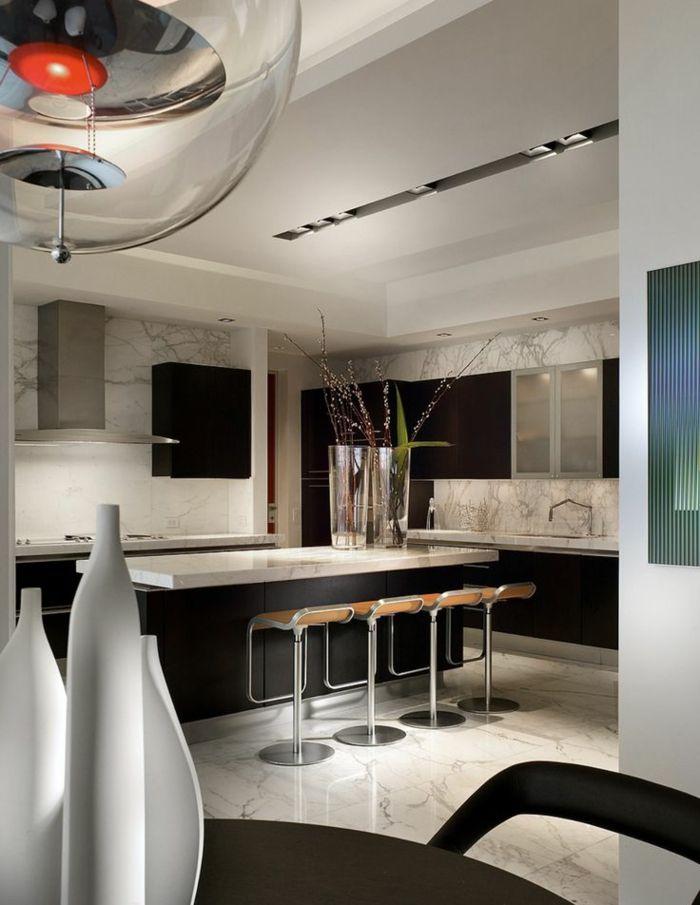 Große Glasvasen mit Weidenkätzchen-Dekorative Bodenvasen im zeitgenössischem Design