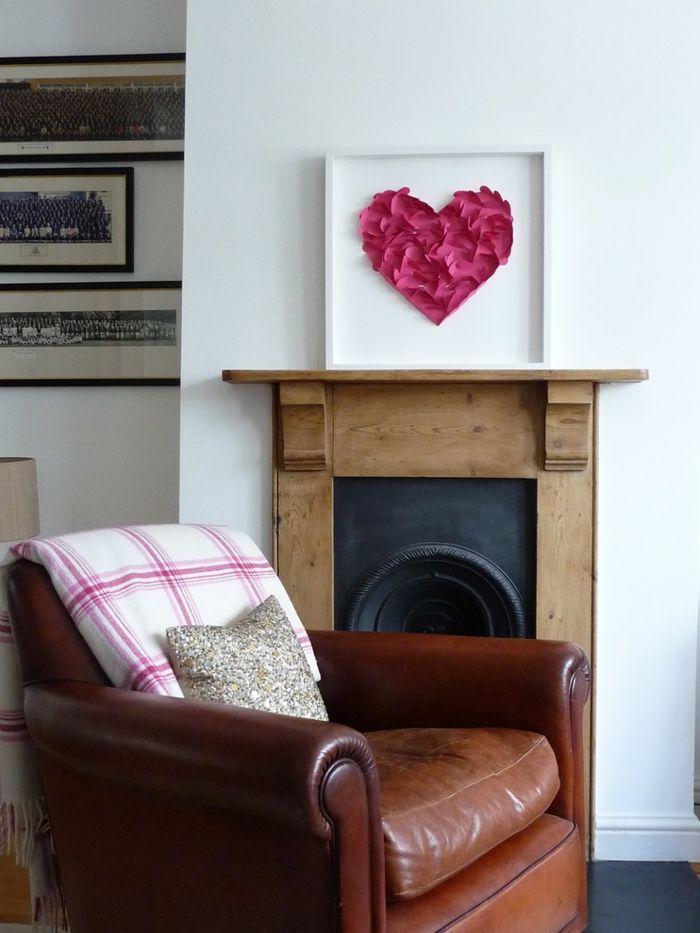 Herzform im Bilderrahmen-romantische Einrichtung am Valentinstag