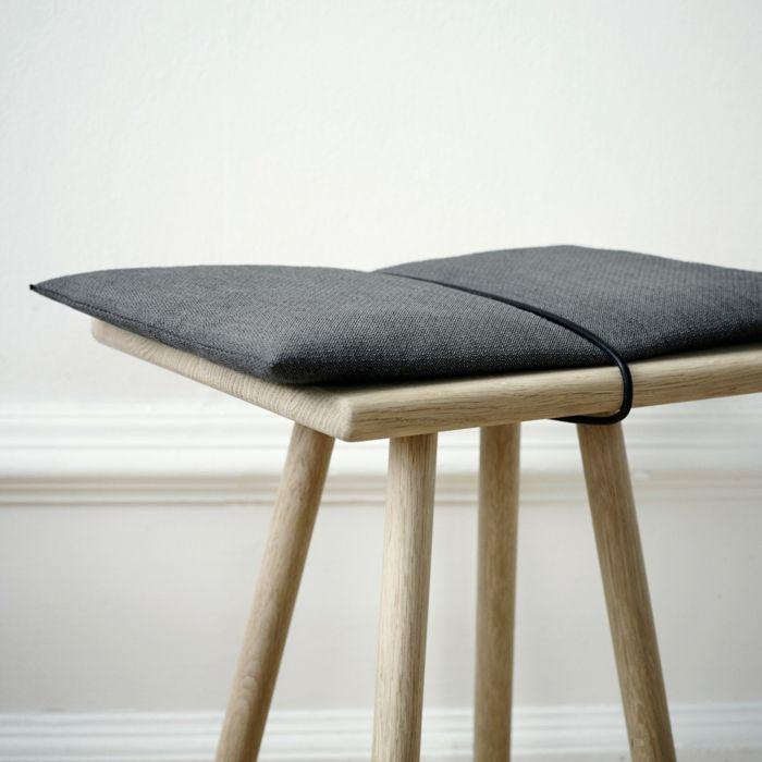Hocker mit Sitzkissen aus Eichenholz-hochwertige Designermöbel Barhocker Fußstütze Ablagefläche Eichenholz schlichtes Design