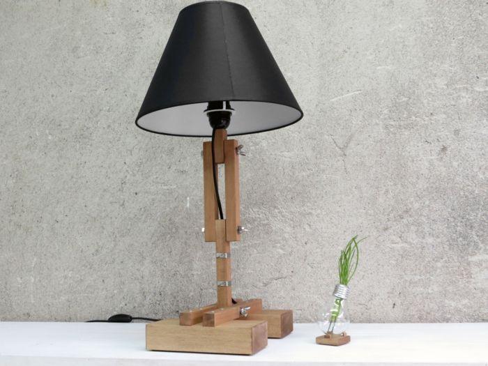 Holzbalken und Textilschirm in Schwarz-Tischlampen Beleuchtung Design
