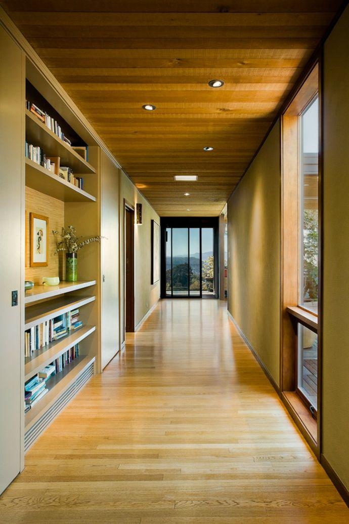 Holzboden und Holzdecke-Кorridor interior ideen