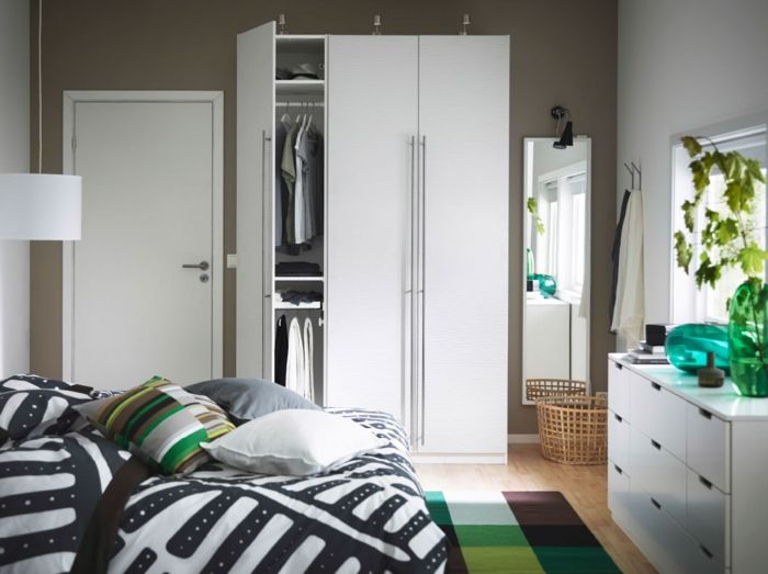 Ikea kleine moderne Garderobe in Weiß-Hochwertige Kleiderschränke für das Schlafzimmer