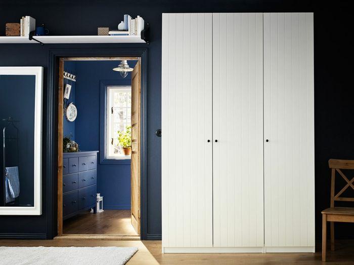 Ikea weiße dreitürige Garderobe im Landhaus-Hochwertige Kleiderschränke für das Schlafzimmer