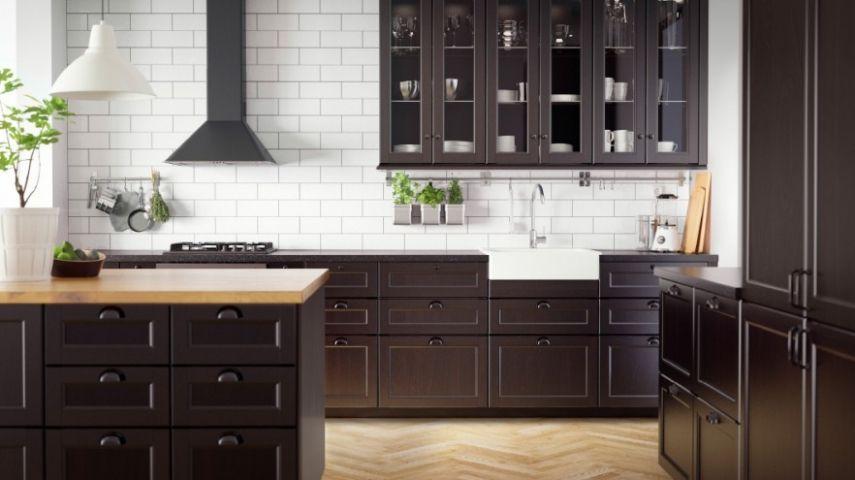 Die Küchenregale bringen Ordnung in jede Küche. Ist eine ...