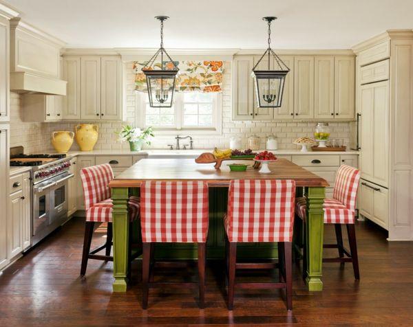 Karomuster auf dem Küchentisch-weiß kariert Karomuster Stuhlbezug fröhlich Küche Küchentisch aus Massivholz Landhausstil